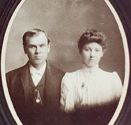 John Fred William Riepe & Anna Wilhelmina [Luetger] Riepe
